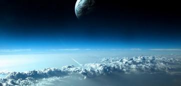 Atmosfera Primordiale con vicino la luna