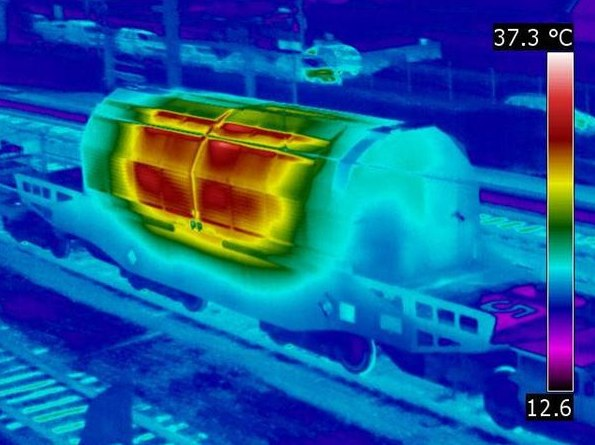 Greenpeace-blocca-un-treno-con-scorie-nucleari