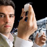 Scienziato crea Cellule Viventi in metallo
